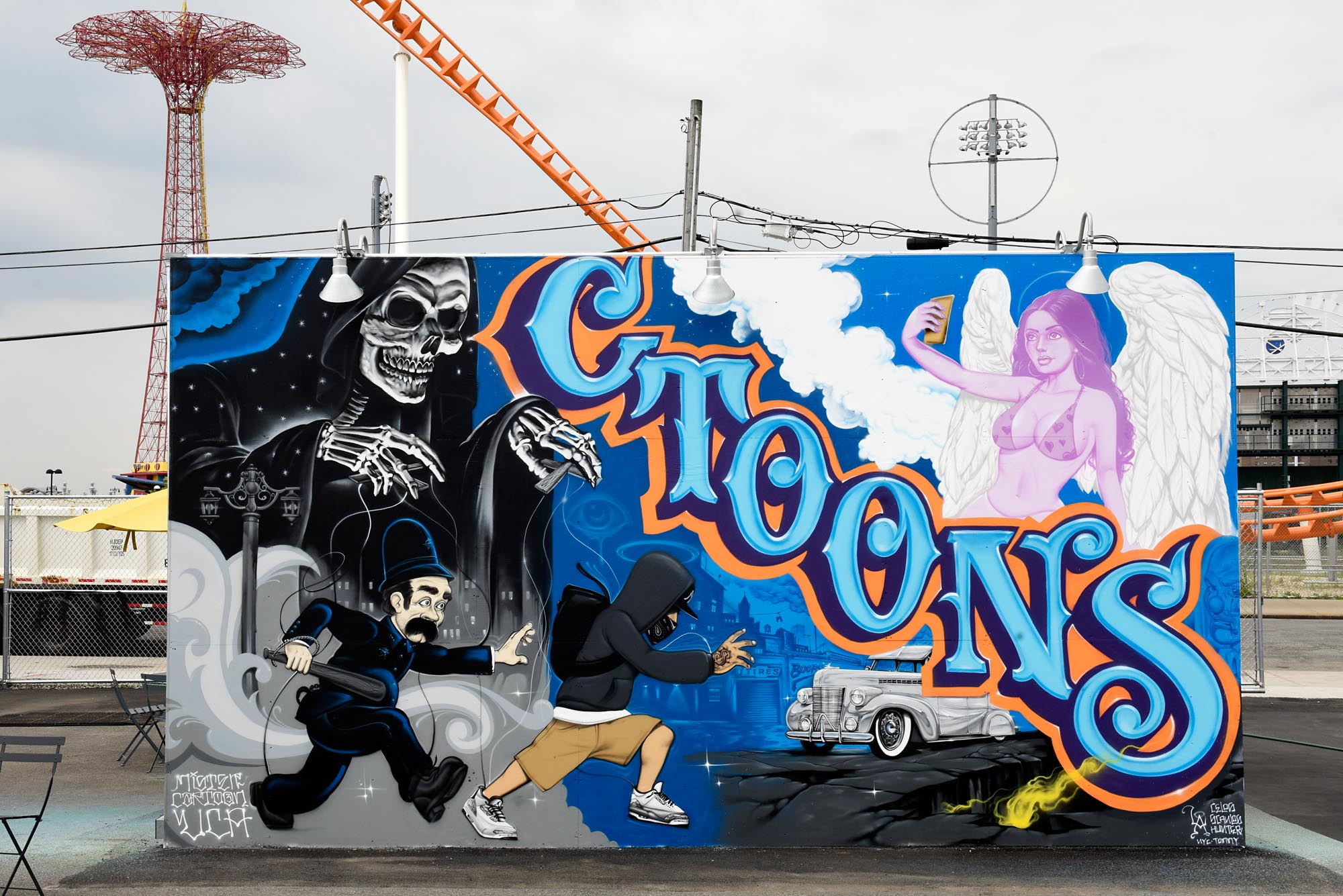 Coney art walls mister cartoon for Cartoon mural painting